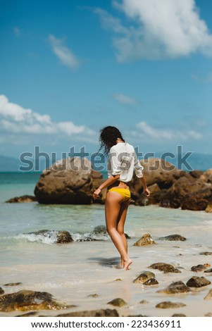beautiful girl posing in the beach