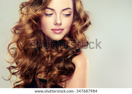 Beautiful girl long wavy hair brunette beautiful girl with long wavy hair brunette with curly hairstyle voltagebd Image collections