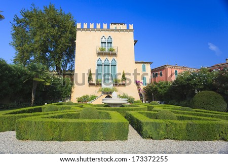 Beautiful italian garden and villa in Bardolino near lake Garda