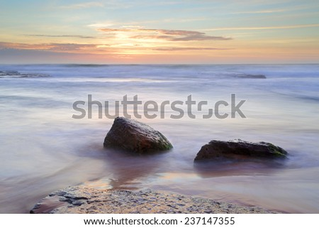 Beautiful morning light and ocean flows at Bungan Beach at Newport