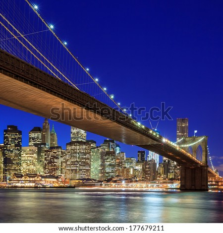 Beautiful shot of Brooklyn Bridge at twilight
