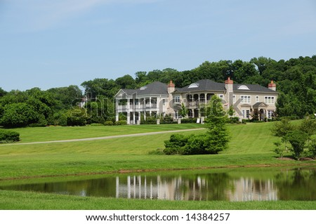 beautiful southern style homes on a pond typical of kentucky and the southern us states - Southern Style Houses