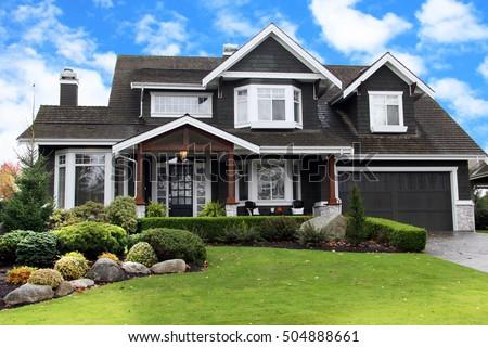 Ordinaire Beautiful Upscale Home In A Canadian Neighborhood.