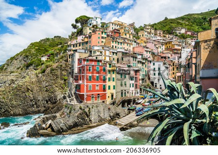 Beautiful view of Riomaggiore, one of the five famous fisherman villages of Cinque Terre in Liguria, Italy