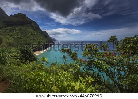 Beautiful views on the Kalalau trail along the Na Pali coastline of Kauai, Hawaii