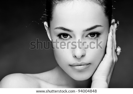 beautiful young woman face, close up, black and white