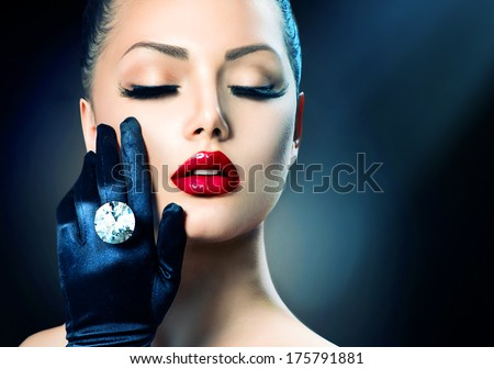 Beauty Fashion Glamour Girl Portrait. Vintage Style Girl Wearing Gloves. Jewellery. Jewelry. Glamor Hairstyle and Make-up. Sexy Red Lips. Diamond Ring. Retro Woman Portrait
