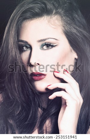 beauty portrait of brunette young woman