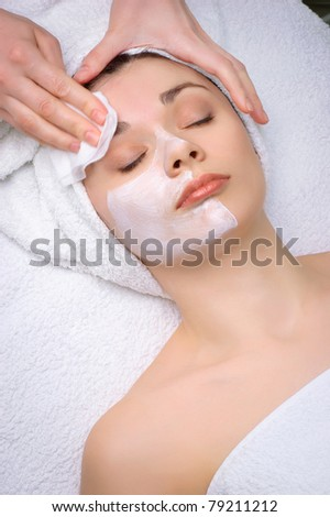 beauty salon series. facial mask removing