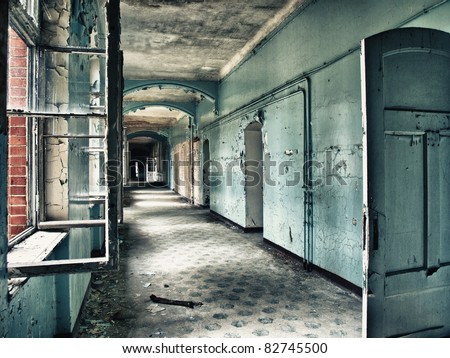 Beelitz sanatorium - scruffy blue hall