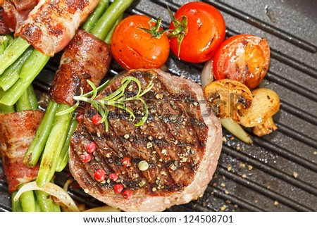 Beff Steak Tournedos with grilled vegetables - stock photo