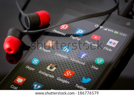 BELCHATOW, POLAND - APRIL 06, 2014: Social media icons on smart phone screen