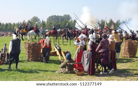 BERGEN OP ZOOM, NETHERLANDS - SEPTEMBER  8 : Actors reenact the Siege of Bergen op Zoom on Sept. 8, 2012 in BOZ, Netherlands. The actual  attacks lasted from September 23rd till November 13th 1588.