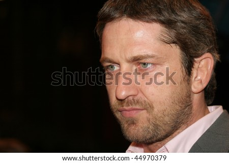 BERLIN - FEBRUARY 14: Actor Gerard Butler attends  the premiere of the movie  '300' during the 57th Berlin International Film Festival (Berlinale) on February 14, 2007 in Berlin,