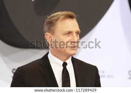 "BERLIN, GERMANY - OCTOBER 30: actor Daniel Craig attends the Germany premiere of James Bond 007 movie ""Skyfall"" at the Theater am Potsdamer Platz on October 30, 2012 in Berlin, Germany - stock photo"