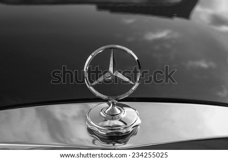 Daimler benz stock photos royalty free images vectors for Mercedes benz stock symbol