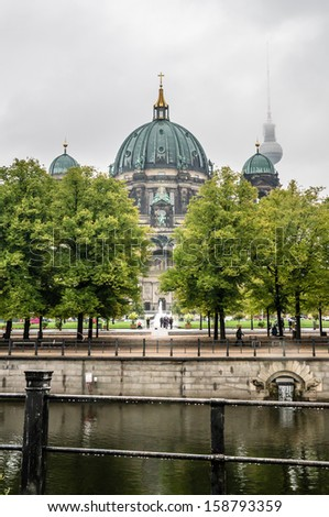 BERLIN, GERMANY - SEPTEMBER 20:  Panoramic view of the Berlin Cathedral on September 20, 2013 in Berlin, Germany. Museum Island on Spree river hosts five famous museums, Unesco heritage.