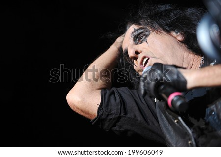 BERLIN - NOVEMBER 14: Legendary American rocker Alice Cooper during his performance in Berlin, Germany, November 14, 2011.