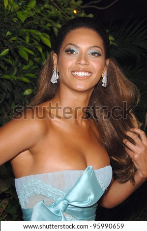"BEYONCE KNOWLES at the Los Angeles premiere of her new movie ""Dreamgirls"" at the Wilshire Theatre. December 11, 2006  Los Angeles, CA Picture: Paul Smith / Featureflash - stock photo"