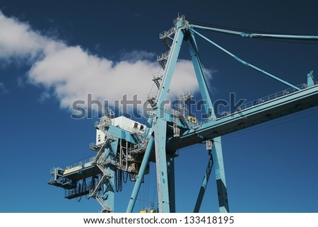 Big crane for containers
