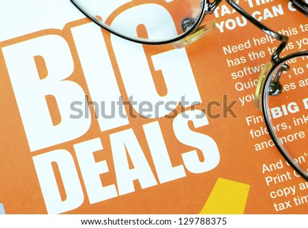 Big deals sign concept of shopping and discounts