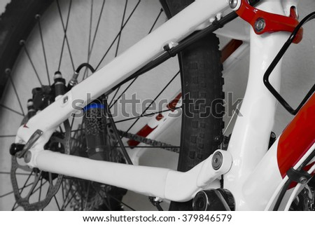 bike parts, chain, shock absorber, wheel, frame, mountain bike,
