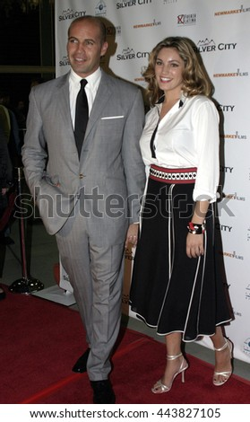 Billy Zane and Kelly Brook at the Los Angeles premiere of 'Silver City' at the Arclight Cinerama Dome in Hollywood, USA on September 14, 2004.  - stock photo