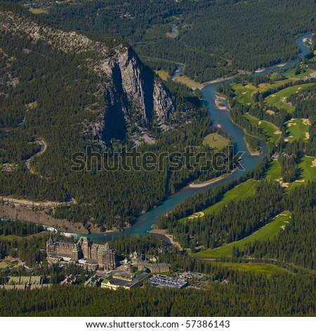 """Bird's eye view of Banff with Bow river, and the world renowed """"Banff Springs Hotel"""" - stock photo"""