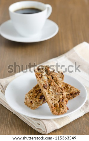 biscotti with nuts