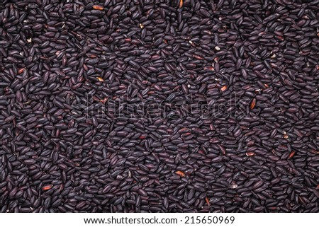 black rice texture in the background