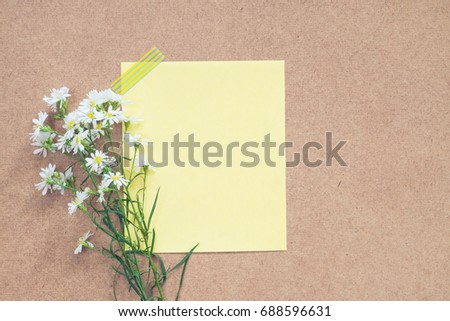 blank gift card with flower bouquet.