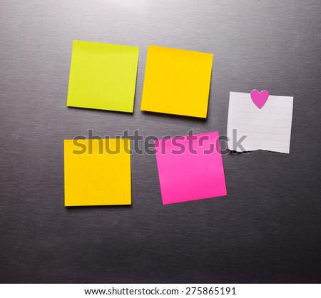 Blank Post it Note  On The refrigerator