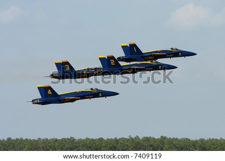 Blue Angels take off formation