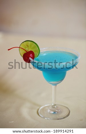 blue hawai cocktail
