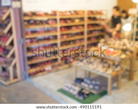 Blurred image of a shoes store in shopping mall/Street market/community mall