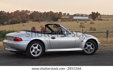 BMW Z3 in the countryside (no badges)