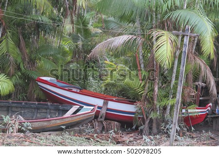 boat abandoned on beach