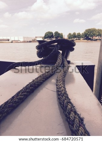 Boat mooring capstan with rope and filter applied