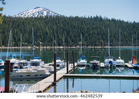 Boats at Elk Lake in the central Oregon Cascade Range