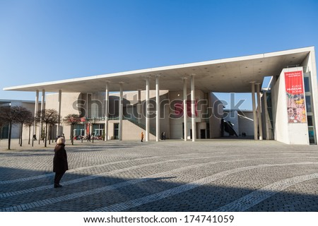 BONN, GERMANY - JANUARY 31: museum of art with unidentified people on January 31, 2014 in Bonn. The museum in Bonn is a nationalwide noted museum of contemporary art with about 7500 works.