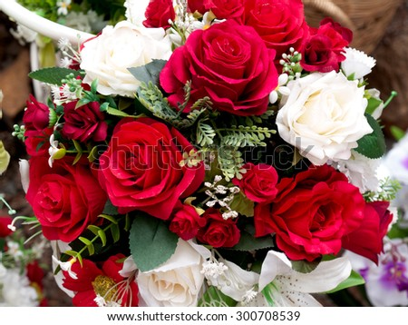 Bouquet of Roses, roses are numerous.