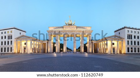 Brandeburg gate panorama at dusk. Pariser Platz, Berlin