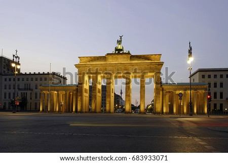 Brandenburg Gate, in the early morning twilight, Tiergarten, Mitte district, Berlin, Germany, Europe