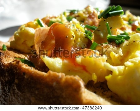 bread with omelet
