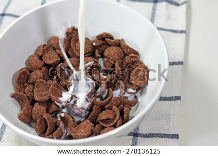 Breakfast cereal in a bowl - stock photo