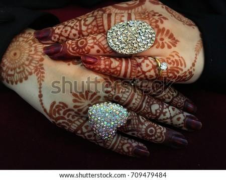 Mehndi Hands Powerpoint : Bride beautiful muslim hands henna stock photo royalty free