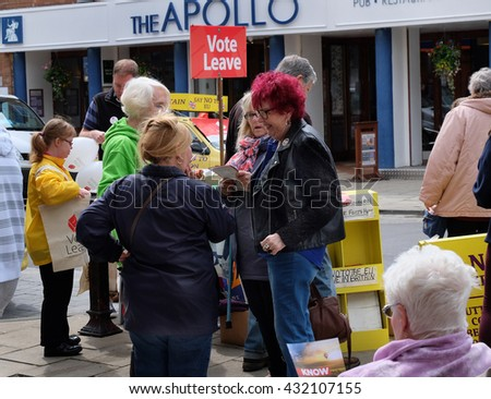 Bridlington, UK, May 2016. Yorkshire.EU stay or go referendum to decide if the UK stays in the European union. Voting on 23 June. Street canvasing of public and discussion.