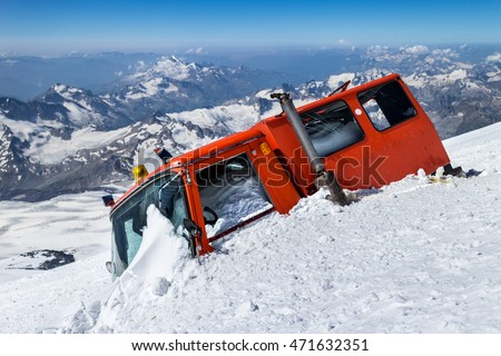 Broken snowcat at an altitude of 5000 m on Elbrus