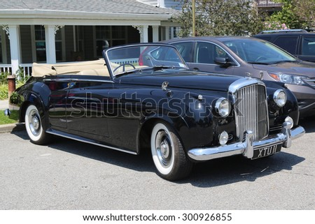 BROOKLYN, NEW YORK - JULY 19, 2015 : 1956 Bentley on display at the Mill Basin car show in Brooklyn, New York . The Bentley S was a luxury car produced by Bentley Motors Limited from 1955 until 1959 - stock photo