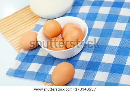 Brown chicken eggs on the kitchen table